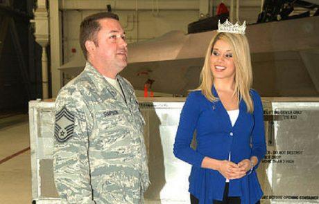 """מיס אמריקה: """"אתגייס הקיץ לצבא"""""""