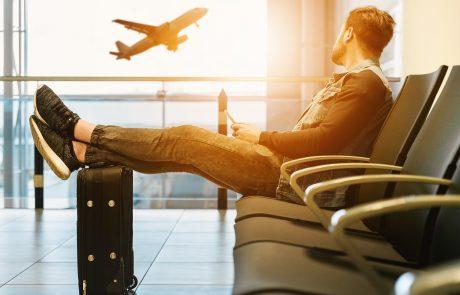 איך מעבירים את הזמן בטיסה?